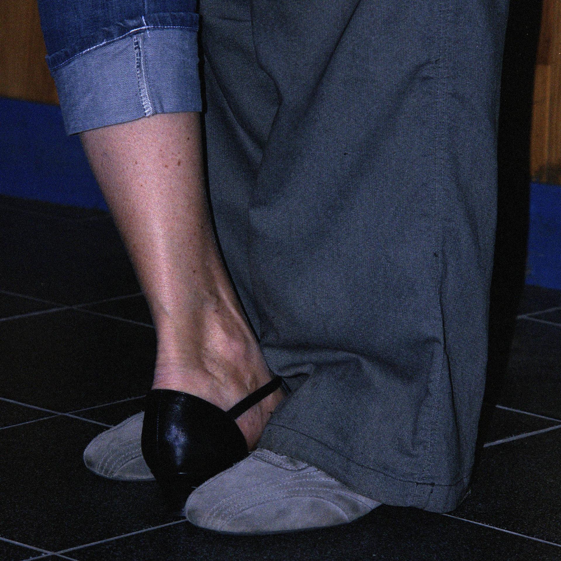 Détail de postures de Tango, Mordida, photographie argentique couleur